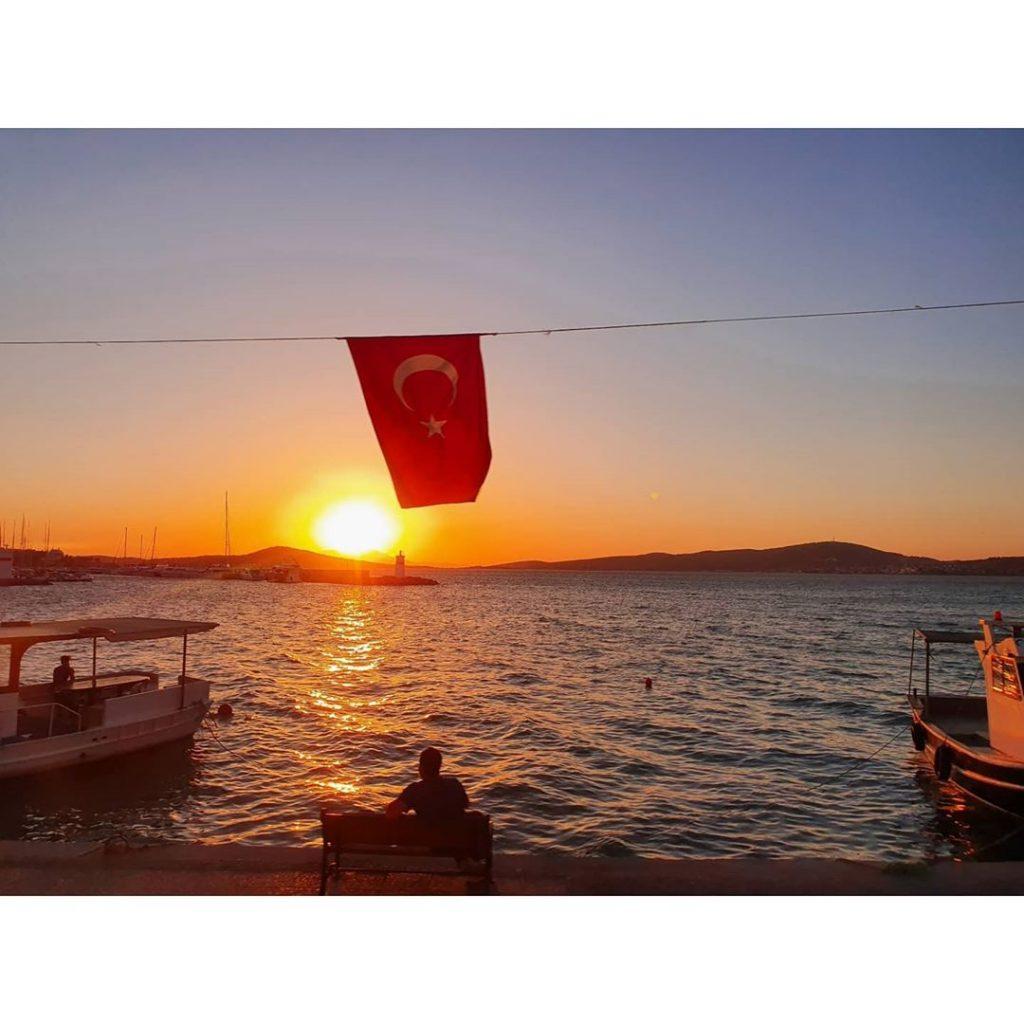 Meer Mit Tuerkischer Flagge Studienreise Kleinasien Sth Basel