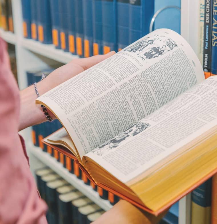 Sth Basel Theologie Studieren Universitaer Akkreditiert Buch