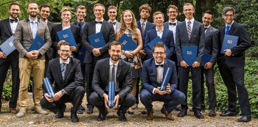 Sth Basel Gruppenfoto Diplomfeier